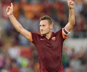 captain and totti image