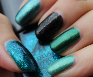 blue, cyan, and green image