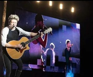 niall horan, one direction, and argentina image