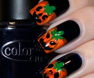scary, nails art, and halloween nails image