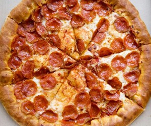 pizza and delicious image