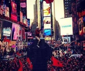 new york and albania image
