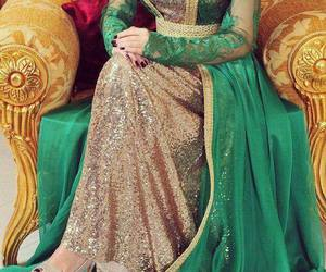 caftan and green image