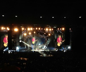 concert, madrid, and rock and roll image