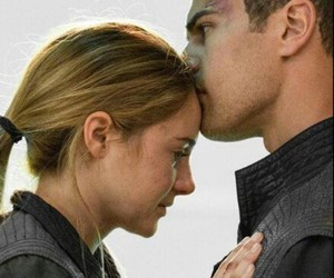 divergent, love, and tris prior image