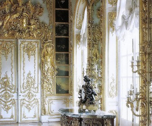 gold and palace image