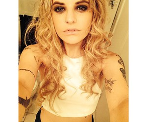 fashion, juliet simms, and hair image