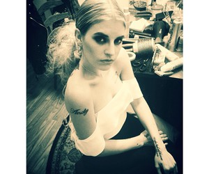 hair, tattoo, and juliet simms image