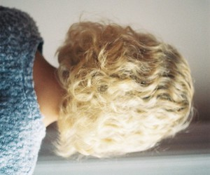 blonde, curly hair, and girl image