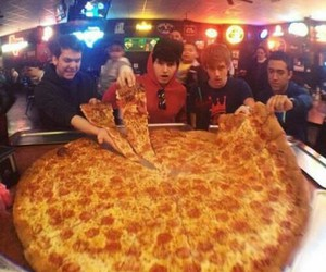 pizza, food, and big image