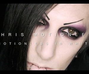 solo motionless in white image