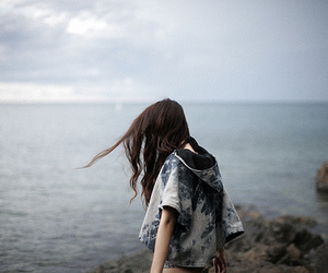 girl, sea, and hair image