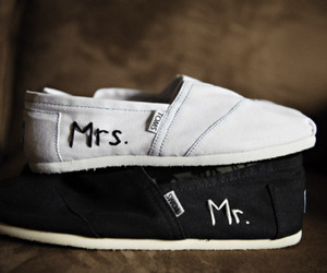 toms, mrs., and mr. image