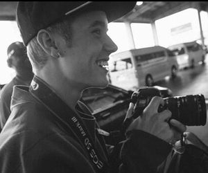 celebrity, smile, and bizzle image