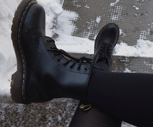 black, grunge, and boots image