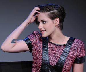 kristen stewart and camp x-ray premiere image