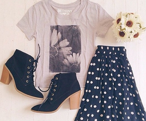 outfit, clothes, and flowers image