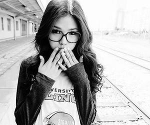 girl, glasses, and ulzzang image