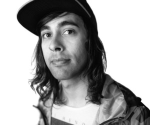 vic fuentes and pierce the veil image