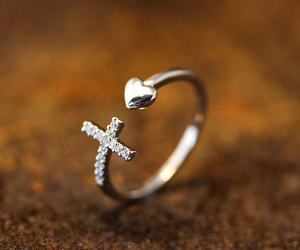 beautiful, hands, and jewelry image