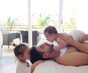 familia, fatherhood, and Fofos image