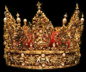 crown, gold, and pretty image