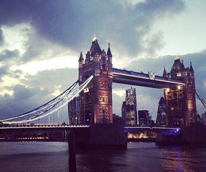 beautiful, london, and bridge image