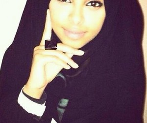 black, hijab, and muslimah image