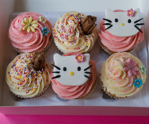 cupcakes, buns, and cakes image