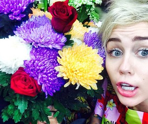 miley cyrus, flowers, and eyes image