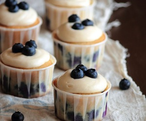 cupcake, food, and blueberry image