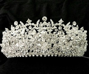 art, crown, and beautiful image
