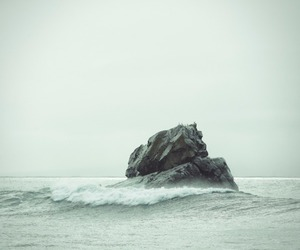 sea, photography, and rock image