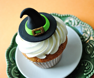 cupcake, Halloween, and witch image