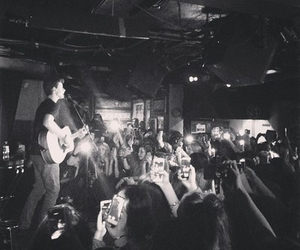 london and shawn mendes image