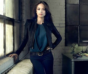 beauty and the beast and kristin kreuk image