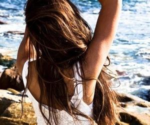 girl, vento, and hair image