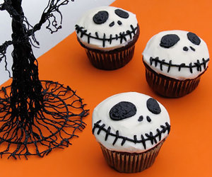 black, cupcakes, and Halloween image