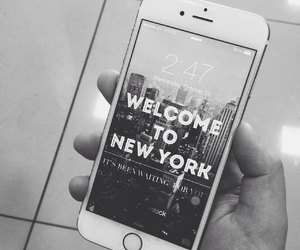 iphone and new york image