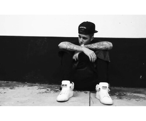 fashion, playtime, and justin bieber image