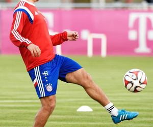 training, bayern munchen, and philipp lahm image