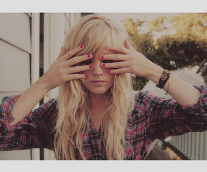 blonde, girl, and nails image