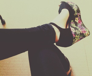 chaussures, talons, and color image