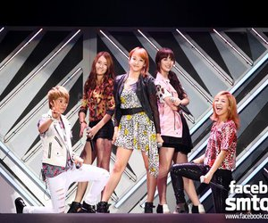 korean fashion, pretty, and f(x) image