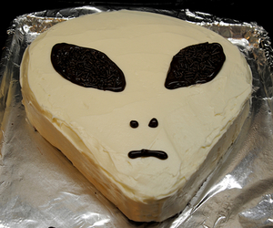 alien, cake, and grunge image