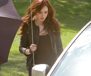books, clary fray, and lily collins image