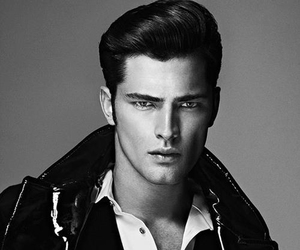 model, Sean O'Pry, and Hot image