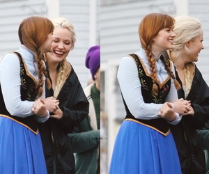anna, frozen, and Queen image