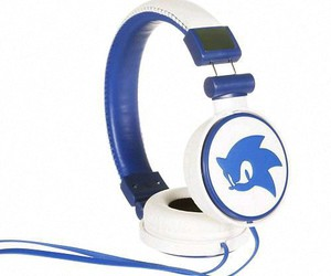 headphones, music, and sonic the hedgedog image