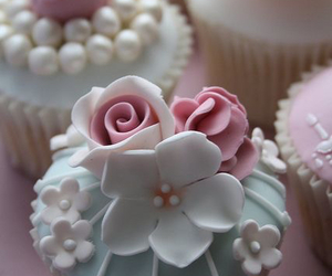 cupcake, sweet, and cake image